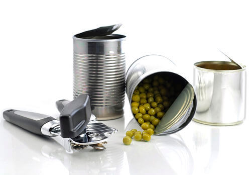 Making baby food with canned vegetables and fruits