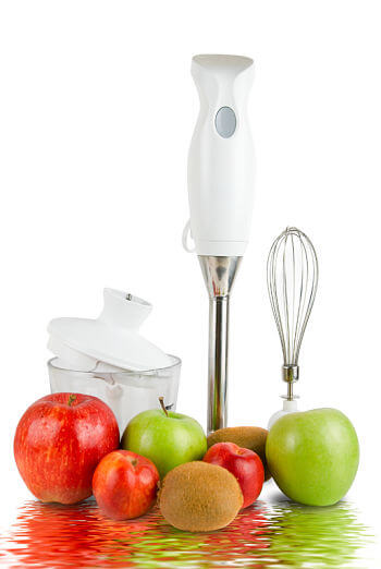 Blender and fruit to make smoothies for babies