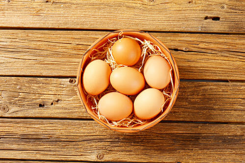 A basket of eggs - when is it safe for baby to eat them?